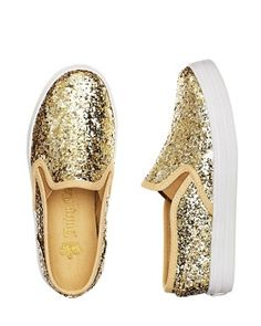 I want someshoes like this! dont know where to find them...