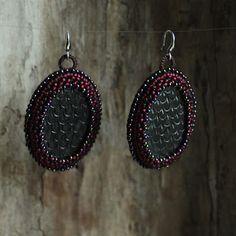 kolczyki. ceramika, koraliki / earrings. ceramic, beads /// http://karolina-g.blogspot.com/2013/09/kolczyki-x-4.html