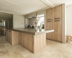 living room ideas – New Ideas Brick Wall Kitchen, Modern Kitchen Cabinets, Oak Cabinets, Kitchen Room Design, Kitchen Interior, Moraira, Cuisines Design, Home Renovation, Home Kitchens