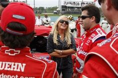 All about Tony Stewart girlfriend Jessica Zemken.