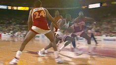 Michael Jordan Gif, Mike Jordan, Michael Jordan Chicago Bulls, Basketball Memes, Sports Basketball, Nba Video, Jeffrey Jordan, Sports Figures, Nba Players
