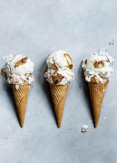 Ice Cream Desserts, Frozen Desserts, Ice Cream Recipes, Summer Desserts, Tiramisu Ice Cream Recipe, Mascarpone Ice Cream, Tiramisu Mascarpone, Marscapone Cheese, Gastronomia