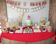 Little Big Company | The Blog: Farmyard Party by Party Cakes - A piece of art for any occasion