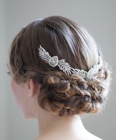 To see more gorgeous wedding hairstyles: http://www.modwedding.com/2014/11/20/amazing-wedding-hairstyles-chic-accessories/ #wedding #weddings #hair #hairstyle via percyhandmade