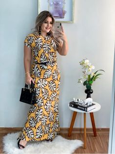 Curvy Friends – Plus size photos, plus size fashion and plus size tips Look Fashion, Diy Fashion, Womens Fashion, Short Sleeve Dresses, Dresses With Sleeves, Plus Size Vintage, Plus Size Beauty, How To Look Better, Clothes