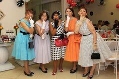 Festa Anos 60 - Figurino vestidos
