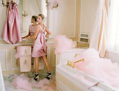kate moss tim walker vogue pink bubblebath