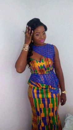 Bride style in beautiful kenta dress African Bridesmaid Dresses, African Wedding Dress, African Print Dresses, African Print Fashion, Africa Fashion, African Dress, Wedding Dresses, African Attire, African Wear