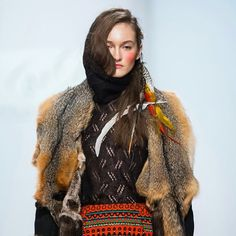 Final #NataliaValevskaya #FW16 #shamani #шаманы #moscowfashionweek #russianfashiondesigner Grey Fox #NAFAnorthern #NAFAfurs #NAFApost #неделямодывмоскве #NAFA