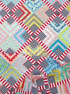 Quarter Log Cabin & Gingham Quilt | Red Pepper Quilts 2015