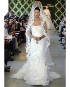 New wedding dresses by Oscar de la Renta from the designer's Spring 2013 bridal runway collection. Dream Wedding Dresses, Bridal Dresses, Wedding Gowns, Bridesmaid Dresses, Spring, Bridal Fashion Week, Stunning Dresses, Wedding Styles, Wedding Ideas