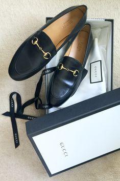 e9bde52ed1ea69 Black Gucci Jordaan moccasins. The perfect flats. Gucci shoes