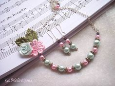 Sweet Floral Pearl Necklace Earrings Gift by gabibadea123 on Etsy