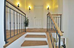 Betontreppe-mit-Holz-15 (4) Ideas Para, Stairs, Interior Design, Inspiration, Home Decor, Upstairs Hallway, Wood Stairs, Staircase Ideas, Nest Design