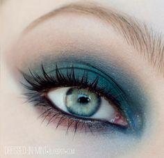 Dark Blue/Teal Eye Shadow