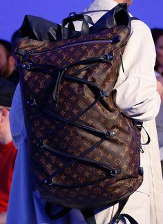 New fashion show logo louis vuitton Ideas Men's Fashion, Trendy Fashion, Fashion Show, Runway Fashion, Fashion Trends, Louis Vuitton Handbags, Louis Vuitton Monogram, Vogue Paris, My Guy