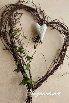 Sweetwater Style: How to Make a Birch Branch wreath. Repost Sweetwater Style: How to Make a Birch Branch wreath. Valentine Wreath, Valentine Decorations, Valentine Crafts, Printable Valentine, Homemade Valentines, Valentine Box, Valentine Ideas, Twig Crafts, Heart Crafts