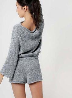 Crochet Shorts, Knit Shorts, Knitwear Fashion, Knit Fashion, Knitting Kits, Knitting Designs, Night Dress For Women, Pants For Women, Short Tejidos