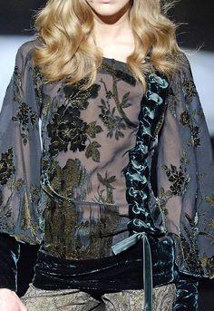 Roberto Cavalli Ready To Wear Autumn 2006 - Details