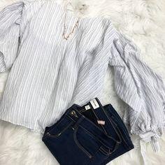 Sugar Sweet 💕 >>>Sweetheart neckline xoxo These sleeves tho 💁Flare Sleeve top ($49) •Necklace ($18) •Denim . . 🍃For immediate assistance or to ORDER call☎️701-356-5080 (We Ship📦& Hold)  #denim #denimjeans #flaresleeves #fashion #apricotlanefargo #apricotlane #fargo #nd #mn #shoppnline #styleblogger #stylinspo #fashion #newarrivals #shoplocal #shoponline