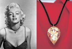 """moon-of-baroda.jpg En 1953 Marilyn Monroe porte ce diamant a l'occasion de la première de la comédie musicale """"Gentlemen Prefer Blondes"""" (les hommes préfèrent les blondes) de Howard Hawks où elle fait la promotion des diamants en chantant """"Diamonds Are a Girl's Best Friend"""" (les diamants sont les meilleurs amis de la femme)."""