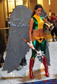 Hawkgirl. View more EPIC cosplay at http://pinterest.com/SuburbanFandom/cosplay/...