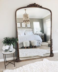 Chic bedroom inspo care of Stylin by Aylin Bedroom Inspo, Bedroom Decor, Bedroom Ideas, Bedroom Makeovers, Wall Decor, Decor Room, Bedroom Wall, Anthropologie Mirror, Bedroom Vintage