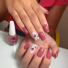 Image may contain: one or more people Pink Glitter Nails, Fancy Nails, Cute Nails, Pretty Nails, Gel Acrylic Nails, Dry Nails, Acrylic Nail Designs, Nail Art Designs, Cute Spring Nails