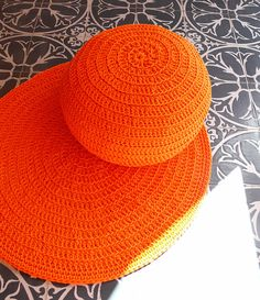 Round Rug Floor Crochet Outdoor Polyester Orange by gloandmo, Freeform Crochet, Knit Crochet, Crochet Hats, Knitted Cushions, Orange Things, Round Pillow, Round Rugs, Baby Ideas, Floor Rugs