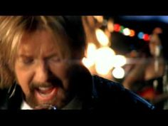 Hillbilly Deluxe - Brooks and Dunn      Help Rank GAC's Top 20 Party Picks >> http://blog.gactv.com/blog/2013/08/07/these-videos-know-how-to-party/