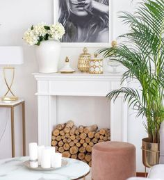 O Portal, Entryway Tables, Furniture, Instagram, Boards, Home Decor, Fire Places, Diy Home, Living Room