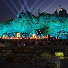 Σήμερα πηγα Ελευσίνα σε μια συναυλία στον αρχαιολόγο χώρο. Η φωτογραφία ειναι με το Note 10 plus  σε νυχτερινή λειτουργία χωρις επεξεργασία.  #note10plus #note10plusgreece #greek Greek, Concert, Pictures, Concerts, Greece