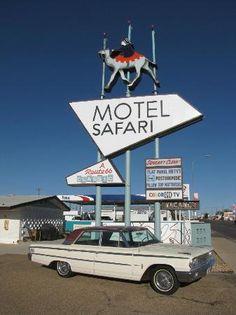 Motel Safari: Route 66 - Tucumcari, New Mexico