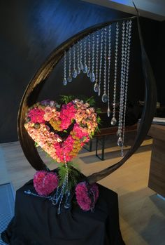 (•ॢ◡-ॢ)                                                       Floral Art