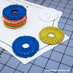 What do huge hunks of metal need more than anything else in the world?) Solution: My crocheted metal washer sewing pattern weights tutorial! Tablecloth Weights, Fabric Weights, Crochet Projects, Sewing Projects, Diy Projects, Sewing Patterns, Crochet Patterns, Clothing Patterns, Pattern Weights