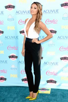 Shay Mitchell wore a Jenni Kanye-designed outfit and Jimmy Choo heels to the Teen Choice Awards