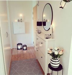 The post appeared first on Wohnung ideen., - The post appeared first on Wohnung ideen., The post appeared first on Wohnung ideen. Hallway Table Decor, Hallway Decorating, Interior Decorating, Hallway Ideas, Ikea Hallway, Black Hallway, Entryway, Living Room Decor, Bedroom Decor