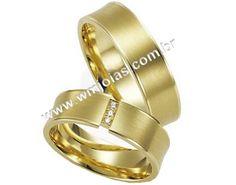Par de Aliança de noivado e casamento Aliança em ouro 18k 750 Modelo: Princesa Pedras: 3 diamantes 2 pontos Peso: 13 gramas o par Largura: 6 mm Altura: 1mm Anatômico baixo Côncava Acabamento fosco e liso