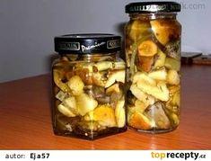 Nakládané houbičky - pro Yanull recept - TopRecepty.cz Pickles, Cucumber, Mason Jars, Food And Drink, Canning, Mason Jar, Pickle, Home Canning, Zucchini