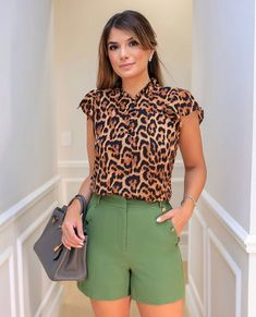 Couture, Bermuda Shorts, My Style, Blouse, Outfits, Clothes, Collection, Tops, Safari