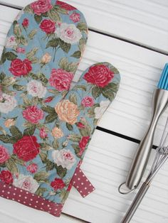 Floral Oven Glove Kitchen Oven Mitt  Pink & Roses Retro Oven Classy Kitchen Mittens Design Inspiration