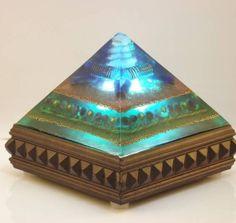 Shanti orgonite pyramid lamp