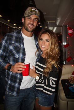 Jessie James is such a lucky girl. Eric Decker, Broncos football player is SO hot!