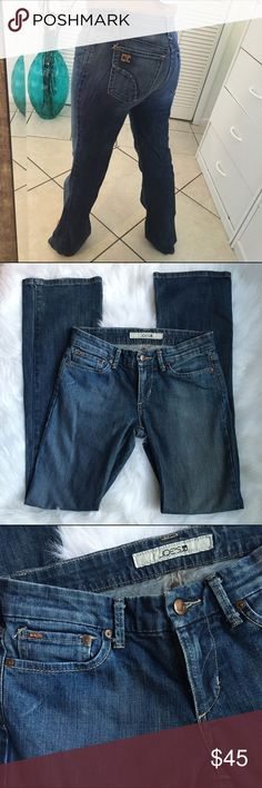 """USED JOE'S BOOT CUT JEANS JOE'S JEANS BOOTCUT STYLE. VERY GOOD CONDITION.  99% COTTON 1% ELASTIC. THE SIZE TAG ALMOST FALLS OFF BUT YOU CAN TAKE IT OFF IF YOU WANT.  LOVELY FITTING!!!  SIZE 27 INSEAM 32.5"""" FAST SHIPPING!!!  Any question, please write me! Joe's Jeans Jeans Boot Cut"""
