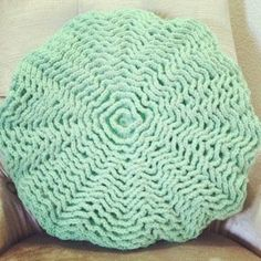 Ruffle Rose Pillow Crochet Pattern... link to free pattern. *At the site Unwind, there is a statement to make the ruffles more full than the original pattern (for my reference).