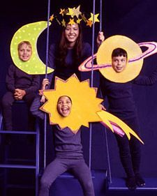 Outer Space- Costumes: Outer Space- 25 Group Costume Ideas for the Most Fun Halloween Ever Космос Mer Mag Star Costume Fashion diy accessories head bands 64 ideas for 2019 photocall-fiesta-espacio-collage-by Astronaut / Outer Space Birthday Party Ideas Last Minute Halloween Costumes, Easy Costumes, Family Costumes, Halloween Masks, Halloween Kids, Adult Costumes, Costume Ideas, Group Costumes, Group Halloween