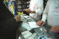 Médicos insistem que farmácias trocam medicamentos e querem auditoria nacional