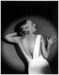 """summers-in-hollywood: """"Carole Lombard, Photo by Otto Dyar """" Old Hollywood Glamour, Hollywood Fashion, Vintage Hollywood, Hollywood Actresses, Classic Hollywood, In Hollywood, Vintage Glamour, Vintage Ladies, Carole Lombard"""
