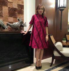 50s Dresses, Lovely Dresses, Fashion Dresses, Batik Kebaya, Batik Dress, African Wear, African Dress, Ankara Dress, I Dress