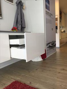 #Bagno #Scavolini modello #Rivo : anta laccata lucida colore bianco prestige #bathroom #interiordesign #scavolinibathroom #arredamento #specchio #lavabo #laccato #bagno #rubinetto #quarz #bianco #castellettiarredamenti